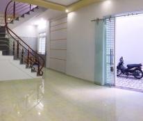Cần bán nhà ngõ 261 Trần Nguyên Hãn,3 tầng xây mới, sân cổng rộng, giá chỉ 1.35 tỷ triệu (TL).