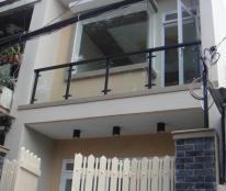 Giá gốc nhà MT hẻm Nguyễn Tri Phương, Q. 10, DT (5.4 x 16m). Nhà 2 lầu, giá chỉ hơn 9 tỷ