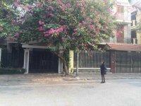 Cần cho thuê nhà phố Vũ Hữu, 120m, giá 20 triệu/tháng, LH 0949170979