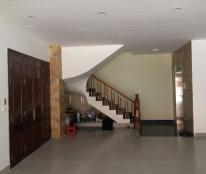 Cho thuê nhà mặt phố Đội Cấn, DT 160m2 x 5 tầng, MT 7,5m, giá 60 triệu/tháng