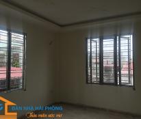 Bán nhà trong ngõ 261 Trần Nguyên Hãn. Giá 2 tỉ 700 triệu