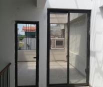 Chính chủ bán nhà 4 tầng ngõ 175 Bát Khối,LB 38m, giá rẻ.LH Ninh 0931705288