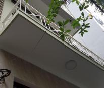 Bán nhà đẹp ở luôn phố Hào Nam, diện tích 32m, 3 tầng, mặt tiền 4m, giá chỉ 2.9 tỷ