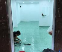 Cho thuê tầng 1 chung cư tập thể trong ngõ 11 Ngọc Khánh, Ba Đình, Hà Nội