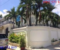 Cần bán villa đường Nguyễn Văn Hưởng, P. Thảo Điền, Q2. Giá 44 tỷ