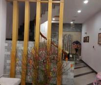 Bán nhà mặt phố Nguyễn Thái Học, 115m, mặt tiền 4.8m, giá 38 tỷ. Đối diện bến xe Kim Mã.