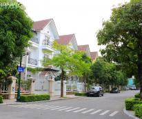 Cho thuê căn biệt thự đầu hồi khu Hoa Sữa 2, DT 250 m2, công viên trước mặt, nội thất hiện đại