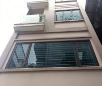 Bán nhà CC 2,15 tỷ(có sân rộng để ô tô) tại  phố Phan Đình Giót, ô tô đỗ 10m, LH01667951085