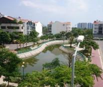 Bán gấp căn biệt thự mini, DT: 10x20m, 1 hầm 3 lầu - Him Lam Kênh Tẻ Quận 7