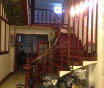 Bán nhà phố Đội Cấn, quận Ba Đình, 40m2 x 5 tầng, giá chỉ 6,2 tỷ.