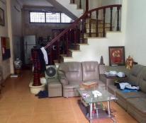Nhà đẹp Nguyễn Khánh Toàn 60 m2, 4 tầng, lô góc 3 thoáng, 5.5 tỷ.
