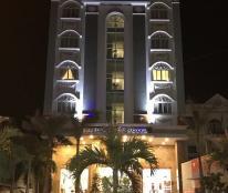 Bán khách sạn Trần Hưng Đạo, thị trấn Dương Đông, giá 90 tỷ