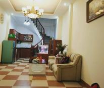 Chính chủ bán nhà ngay mặt phố Trần Duy Hưng, 38m2 x 5T, giá 3.4 tỷ