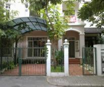 Cần cho thuê biệt thự Hưng Thái, PMH, Q7, sàn gỗ, nội thất cao cấp, giá hợp lý