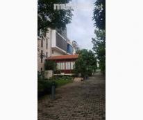 Biệt thự Mỹ Quang, Phú Mỹ Hưng, nhà sạch sẽ, đang trống dọn vào ở ngay 42.000.000 đ