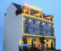 Cho thuê khách sạn Kiến Vàng cao cấp Phú Mỹ Hưng Q7, DT 18x18,5m LH 0903015229 nụ