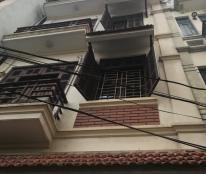 Bán nhà mặt phố, lô góc, kinh doanh Đê La Thành, 4 tầng, giá 2,7 tỷ