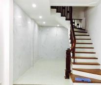 Bán nhà Phố Vũ Tông Phan quận Thanh Xuân, 34m, 5T, gara oto, giá 2.4 tỷ.