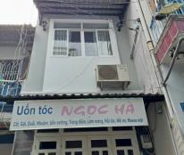 Nhà bán rẻ đẹp, P10, Tân Bình, 1 trệt, 2 lầu, chỉ 2,55 tỷ, vào ở ngay