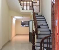 Bán gấp nhà ngõ 10 Tôn Thất Tùng, nhà mới, đẹp long lanh . Giá 3,85 tỷ.