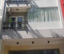 Cần bán gấp căn nhà phố Hưng Gia 2, tại trung tâm Phú Mỹ Hưng