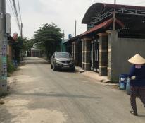 Bán nhà cạnh chợ Phú Hòa, đường nhựa, chính chủ