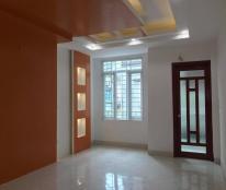 Bán căn hộ 51m2, 2 phòng ngủ, cửa TN, ban công ĐB, gần phố Chùa Láng, nhà ở ngay