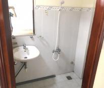 Mình cho thuê phòng Q8 cực rộng 50m2, giá 5.5tr/th, ban công, full nội thất, ưu tiên người lịch sự