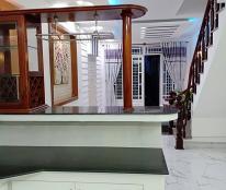 Bán nhà Phan Đăng Lưu , 55 m2, 3 Lầu,  giá 8 tỷ + ĐẸP
