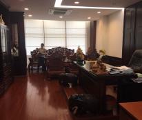 Bán nhà MT Lê Hồng Phong, Quận 10, diện tích 28m2, 5 lầu, nội thất cao cấp
