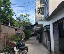 Bán nhà số 2/57 phố Vĩnh Tuy, 3 tầng, 27m2, 1,8 tỷ ô tô đỗ cửa