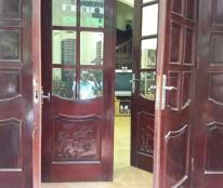 Cần bán gấp căn nhà đẹp ngõ ô tô đường Lạc Long Quân gần Hồ Tây, 90m2, 5 tầng, mặt tiền 5m
