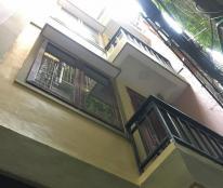 Cần bán nhà phố Kim Mã, 46m2x5tag, cách phố 15m, nhà đẹp chỉ 4,2 tỷ