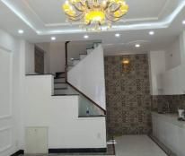 Nhà đẹp 1 trệt + 2 lầu, mua vào ở ngay, HXH đường Huỳnh Văn Bánh, 4.5 x 8m - Giá chỉ 5.6 tỷ