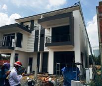 Chính chủ định cư nước ngoài cần bán gấp 1 căn Biệt Thự Mini mặt tiền QL1A .