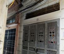 Bán gấp nhà 30m2 đường Khương Đình, quận Thanh Xuân, giá 2.1 tỷ. LH 0988.954.278