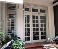 Cho thuê nhà 5T x 45m2 Quán Thánh, Ba Đình, Hà Nội