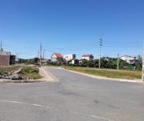 Bán lô đất rất đẹp cách Cầu Trí 100m về phía Nam, mặt tiền rộng 8m, giá cực rẻ