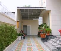 Cho thuê villa Thảo Điền 300m2, 1 trệt 2 lầu, 5PN 4WC, nội thất đầy đủ, có hồ bơi, giá 94tr/th