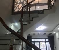 Tôi cho thuê nhà nguyên căn 2 tầng hẻm 23/10, Nha Trang, diện tích lớn chỉ 8tr/th