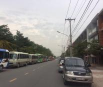 Cần sang gấp căn nhà thô 1 trệt 2 lầu, mặt tiền đường 20m, gần trường Song Ngữ Lạc Hồng