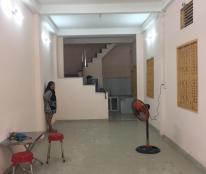 Nhà nguyên căn mặt tiền 5 phòng tọa lạc tại quận Bình Tân
