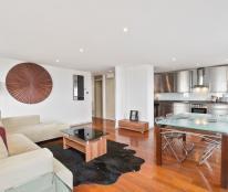 Mới có một căn hộ chung cư Dịch Vọng, N09 - B1, DT 105m2, 2 PN, giá 11 tr/th. LH 0965820086