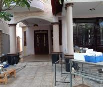 Cần bán căn biệt thự mặt tiền đường Dương Hiến Quyền, Nha Trang, Khánh Hòa. diện tích 327 m2 ( ngang 10 m).
