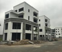 Nhà 4 tầng, lô góc 3 mặt tiền, view hồ, gần quảng trường, bể bơi, chợ...... TP Phúc Yên - Vĩnh Phúc giá 3,9 tỷ.