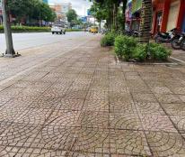Bán mặt phố Nguyễn Văn Cừ, Long Biên 60m2; 4 tầng; giá 15.8 tỷ. Cho thuê 2000 usd/tháng.