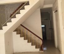 Cần cho thuê nhà 1147 Huỳnh Tấn Phát, Quận 7 dt 4x20m, 2 lầu
