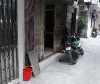Cho thuê căn hộ tập thể tầng 1 tại số 328 Nguyễn Trãi, Phường Thanh Xuân Trung, Quận Thanh Xuân, Hà Nội