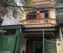 HÓT HÓT - Gia đình mình cần chuyển về Hà Nội có nhu cầu bán nhà 3 tầng , mặt đường 3 .