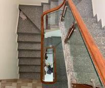Bán nhà 3 tầng Cam Lộ - Hùng Vương, ngõ 2.5m, giá chỉ 1.55 tỷ